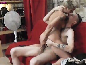 bitch mummy likes handjob, blowage and rides on cock