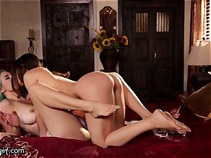 Lana Rhoades Scissor twerking on Mother-In-Law's box