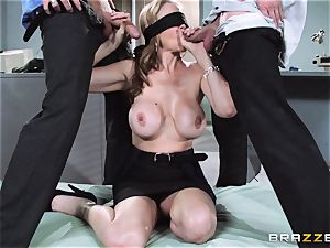 mind-blowing boss Julia Ann gets a dual creaming