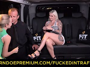 romped IN TRAFFIC - sultry blondes car triangle pounding