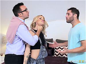 Jessa Rhodes gets a servicing from her boyfriends daddy