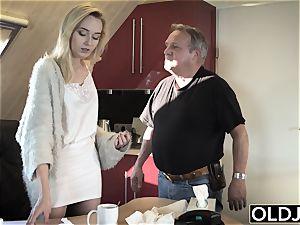 young elder porn Martha gives granddad a muddy blow-job