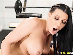 coochie thrashing Rachel Starr nutsack deep at the gym
