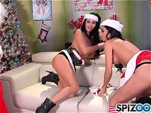 Santas tiny helpers Ava Addams and Trinity St Clair christmas exclusive