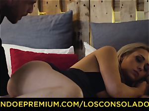 LOS CONSOLADORES - killer blondes harsh four-way