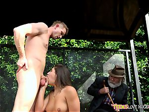 funny situation of slit tucked daughter and her grandpa sees at bus stop - Abella Danger and Bill Bailey