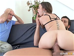 Mean wifey Riley Reid takes it deep in front of her spouse
