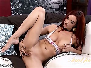 Jayden Cole playthings her cunt great for you