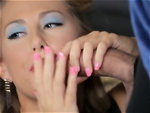Penny Pax and Carter Cruise service a large fuckpole