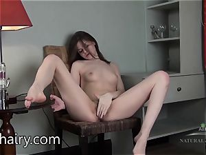 Anna Taylor gives you a trip of her body