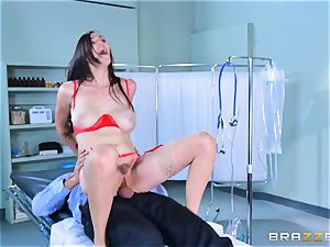 Holly Michaels getting hot and sweat-soaked with Kerian Lee