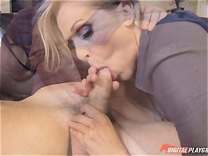 Julia Ann vagina packed on mothers day