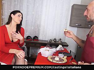 audition ALLA ITALIANA - chesty brunette enjoys raw assfuck