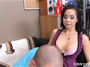Kimmy Lee pokes her stepsons super-naughty roomie