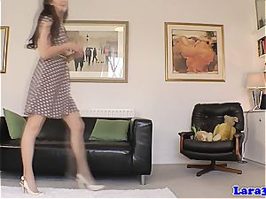 british stocking cougar pussylicks and kneads