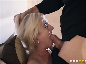 Eliza Jane fucked in her cootchie
