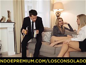 LOS CONSOLADORES - bubble booty lady pummels boyfriend and girlfriend