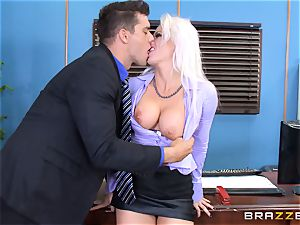 insatiable office lady Holly Heart pummeling across the office desk
