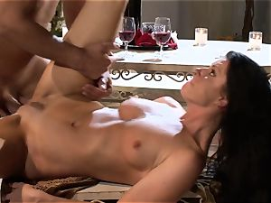 India Summers India Summers is loving the thick fuckpole pleasuring her steaming honeypot har