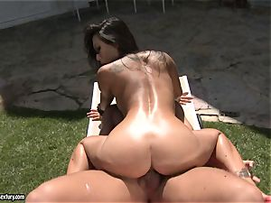 dirty fucker Asa Akira likes the glamour activity with her lover outdoor