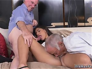 old guy cums in youthful dame very first time Going South Of The Border
