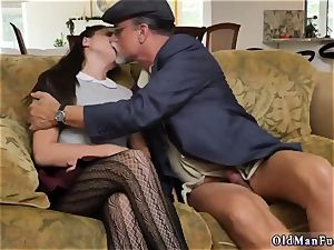 gigantic dark haired inexperienced riding the aged shaft!