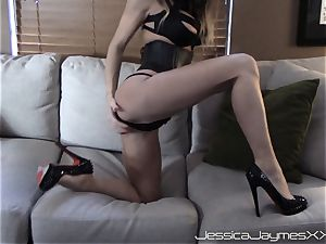 Jessica Jaymes web cam show taunts and gets a immense flow of cum in the face