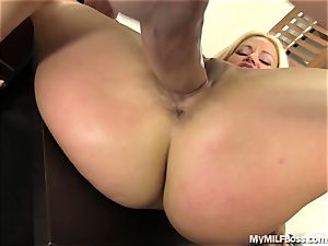 sizzling milf boss Does What She Wants