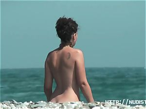 ultra-cute youthfull titties - beach voyeur vid