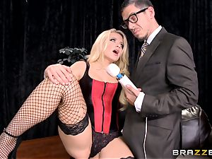 blistering blonde Anikka Albrite displays how she luvs to plumb