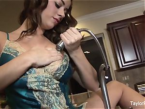 Taylor Vixen plays with her cooter in the kitchen bury